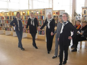 IMG_0996_Greek_dance_in_the_library_20_Feb_2013