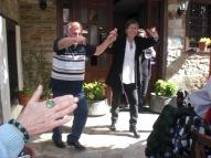 Jag, Nikos dansar